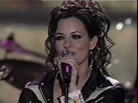 Sara Evans - Suds In the Bucket (LIVE)