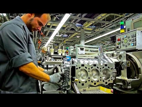 PORSCHE 911, engine assembly line