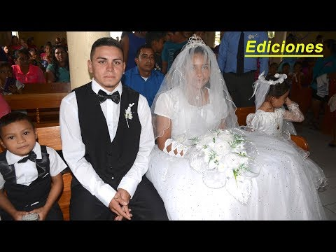 Los novios en la iglesia #3 muy nerviosos pronto serán esposos - Ediciones Mendoza