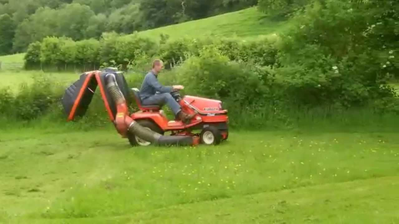 Ride On Mower >> KUBOTA G1900-S 4WS DIESEL RIDE ON TRACTOR LAWN MOWER WITH COLLECTOR G1900 SIT ON - YouTube