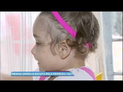 Após campanha de arrecadação, menina faz cirurgia auditiva e escuta pela primeira vez