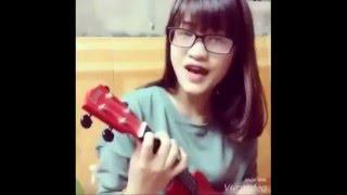 """Hotgirl cover hay """"Nơi Anh Không Thuộc Về"""" guitar acoustic"""