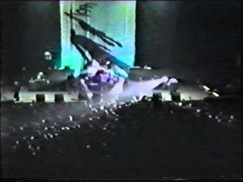 Korn @ Oakland-Alameda County Coliseum Arena - Oakland, CA, USA (Feb. 25, 1996)