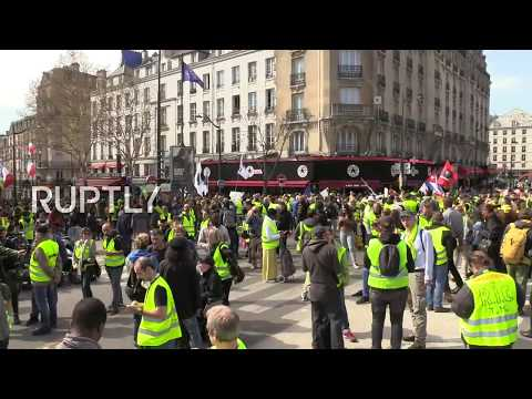 : Yellow Vests call for new protests in Paris
