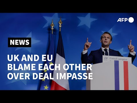 UK and EU trade blame for failing Brexit talks   AFP