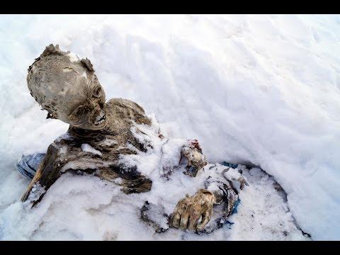 Вершина мира. Эверест (28 фото)