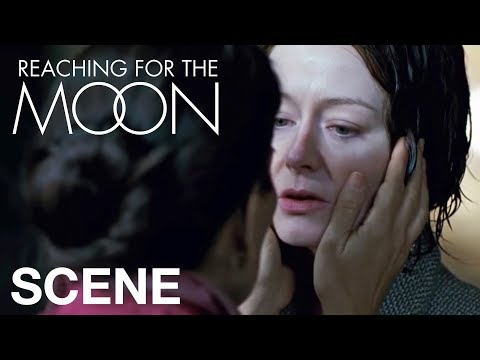 "REACHING FOR THE MOON - ""I'm so in love with you Elizabeth""из YouTube · Длительность: 3 мин8 с"