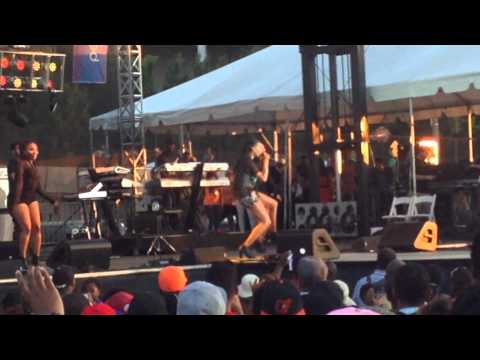 Brandy at the Baltimore African American Festival June 22 2014 (Part 1 of 5)