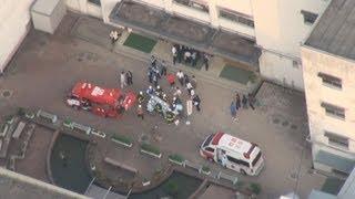 中学校で異臭 16人搬送 兵庫・西宮 中庭の木に殺虫剤