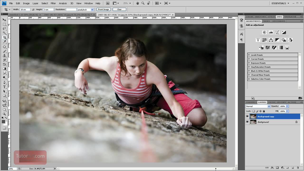 How To Rotate a Layer – Photoshop Tutorial [60 Seconds]