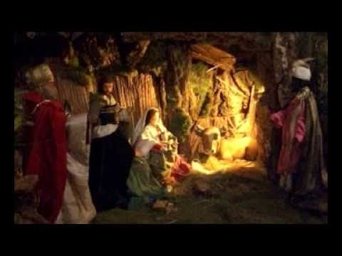 SILENT NIGHT, HOLY NIGHT  BY  THE  MOSCOW  BOYS  CHOIR