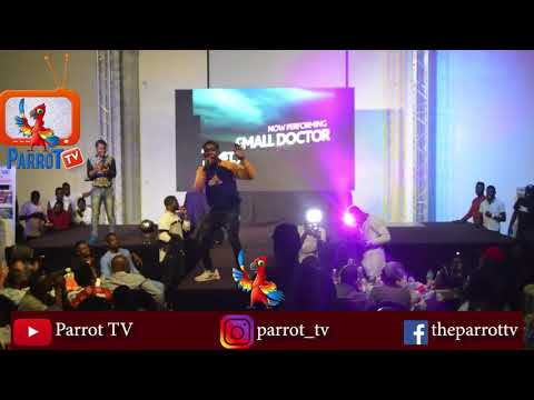 Small Doctor Performs At Seyi Law Fast & Funny Live Ibadan Kini
