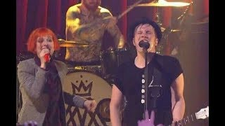 Fall Out Boy FT. Hayley Williams - Sugar We're Going Down LIVE