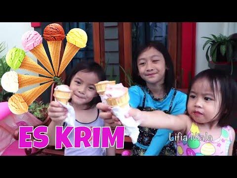 Lifia Niala Menunggu Abang penjual Es Krim | Cone Ice Cream Street food Vlog