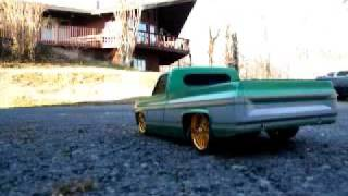 Cover images R/C Lowrider truck w/hydraulics and a surprise