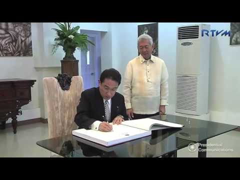 Signing of Guestbook by HE Fumio Kishida, Foreign Minister of Japan 8/11/2016