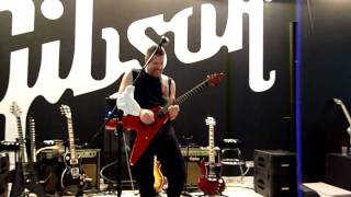 Jeff Waters (Annihilator) performing Alison Hell from the Album Alice in Hell at Musik Messe 2010!