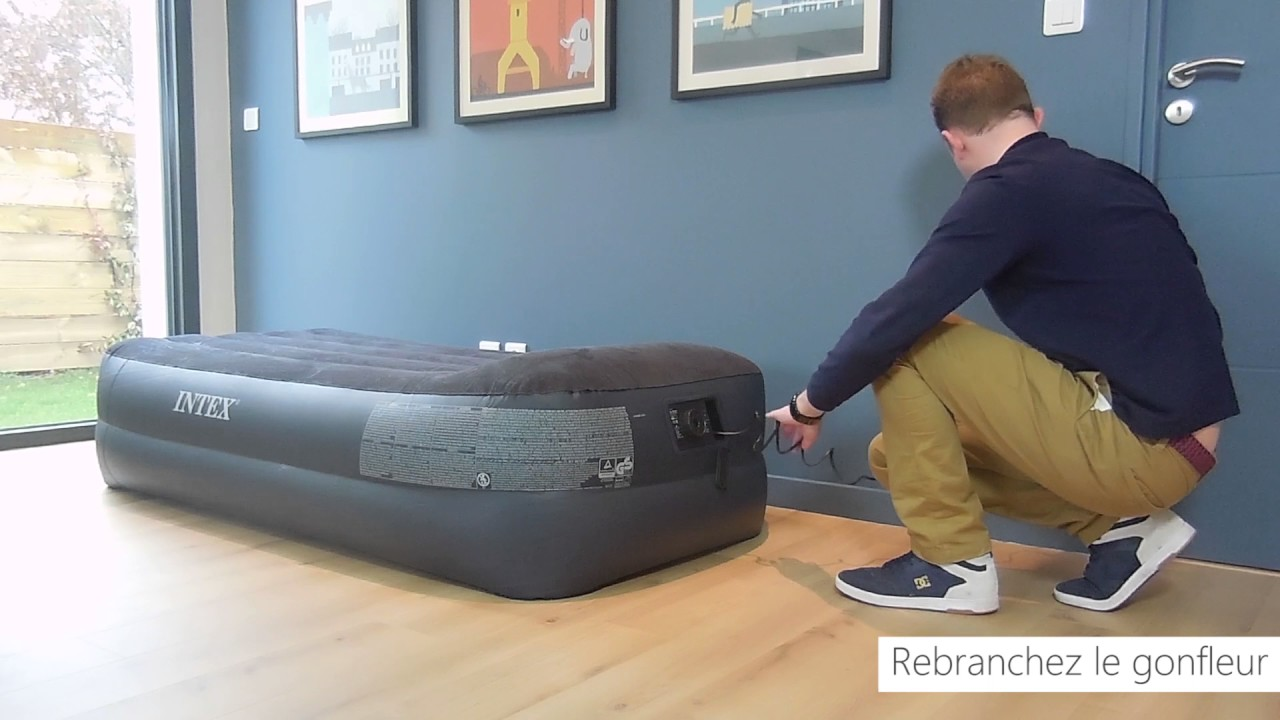 le matelas gonflable lectrique 1 place intex rest bed fiber tech youtube. Black Bedroom Furniture Sets. Home Design Ideas