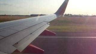 Southwest Airlines 737-700 takeoff from Bradley International Airport