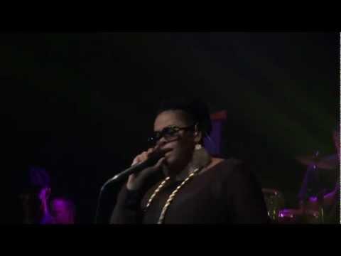 Jill Scott - So Gone (What My Mind Says) (Live @ Le Bataclan,Paris) [2011-12-06]