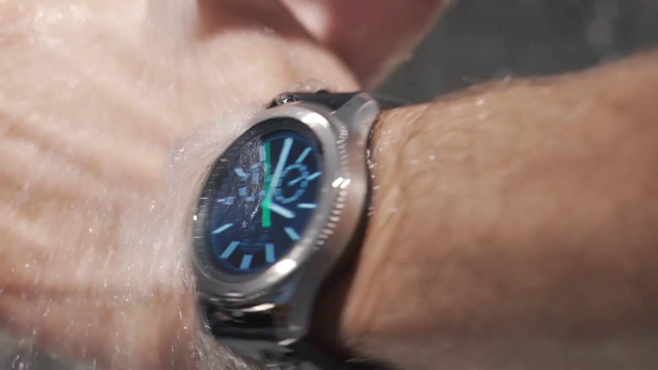 lowest price ea8aa 2e829 Samsung Gear S3 water resistant First Look