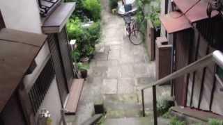 文京区本郷菊坂町にある樋口一葉の旧居周辺を撮ってみました。門の右側...