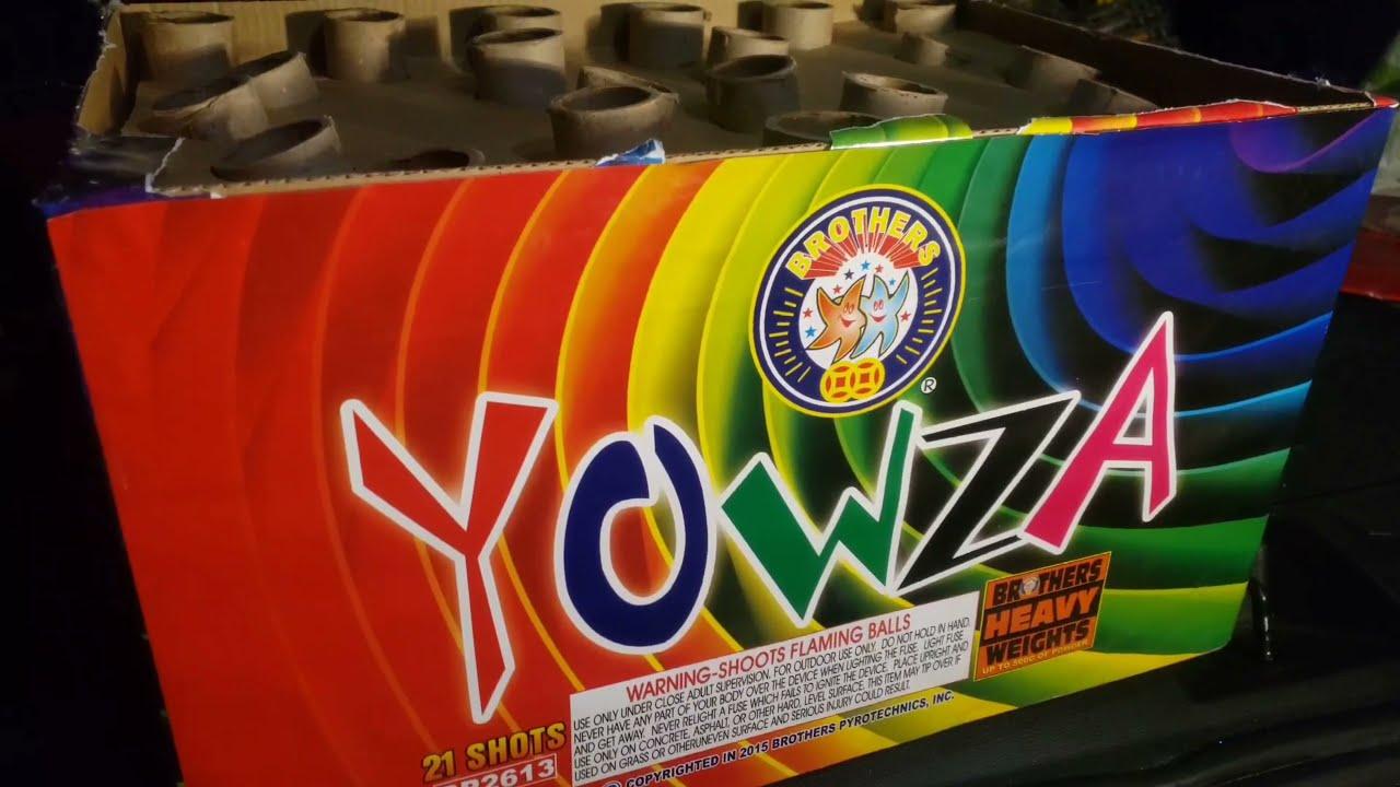 YOWZA 21 Shot 500g cake Brothers Pyrotechnics 2021 Fireworks Demo