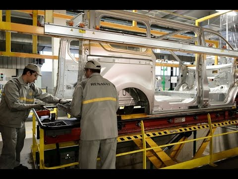 Renault Trafic manufacturing at Sandouville plant