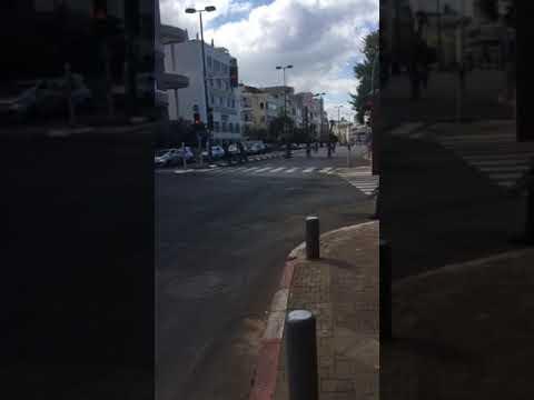 סובב אופניים טורקי סביב תל אביב