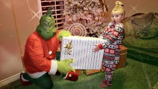 THE GRINCH Stole My BIRTHDAY!