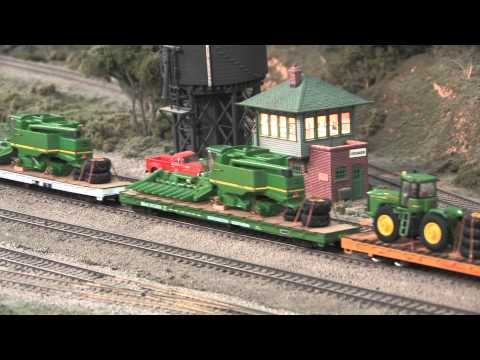 Ralphstrains Military and John Deere ho scale model train on the CB&W Model Railroad
