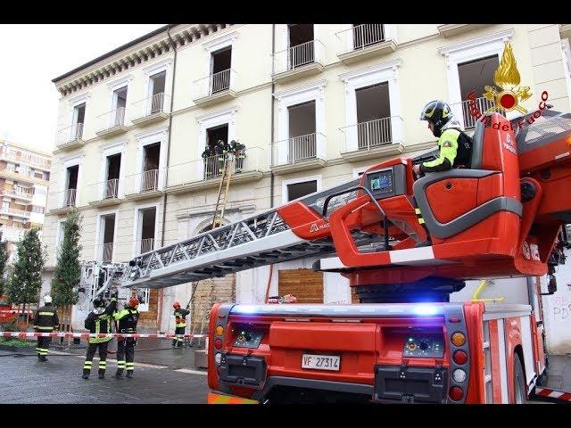Avellino - Simulazione di incendio presso un'abitazione di Corso Vittorio Emanuele.