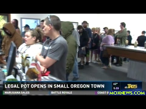 First Legal Cannabis Shop For Small Oregon Town Has Line Down The Block On Opening Day!