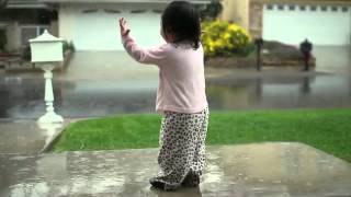 Repeat youtube video Kayden + Rain | Little Girl Experiences Her First Rainfall ORIGINAL NO MUSIC