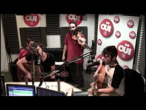 Les Hurlements d'Léo -- Guns of Brixton en acoustique