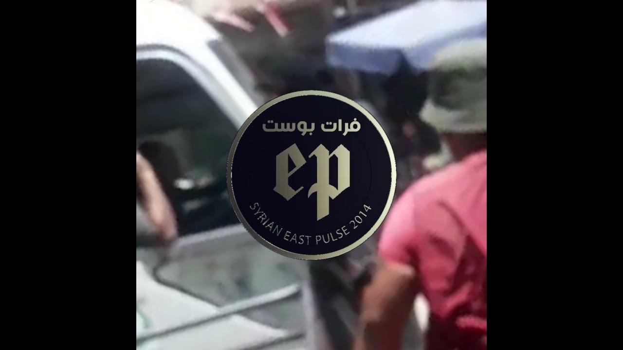دورية من الشرطة التابعة لنظام الأسد تتجول في شارع الوادي