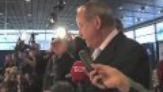 Yvo de Boer Tells NGO's to Leave COP15 Talks in Copenhagen