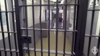 Bending Bars at a Prison   David Blaine