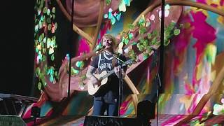 Ed Sheeran - Shape Of You (Live in New York, October 1, 2017)