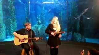 Baixar Meghan Trainor VEVO Pop Up Acoustic at the Aquarium