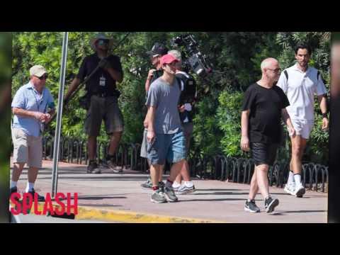 'American Crime Story' Reenacts the Murder of Gianni Versace   Splash News TV