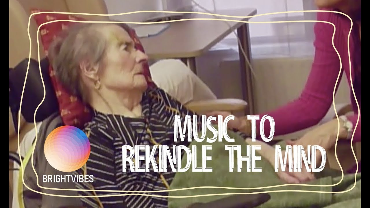 Music And Singing Helps Elderly Alzheimer Patients Reconnect Youtube