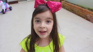 Laurinha and New PlayHouse ! Laurinha brincando na casinha de brinquedo nova ! COMPILATION