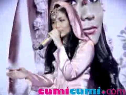 Ramadhan, Gita Gutawa Nyanyikan 'Balada Salawat' - CumiCumi.com