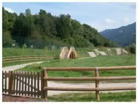 Parapetti in legno per esterni youtube for Pesci per laghetti esterni
