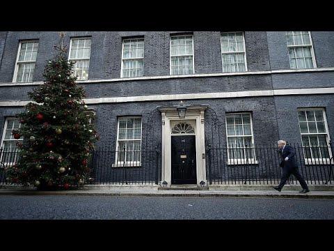 شاهد: زعيم حزب المحافظين البريطاني بوريس جونسون يستقبل استقبال الأبطال…  - نشر قبل 24 ساعة