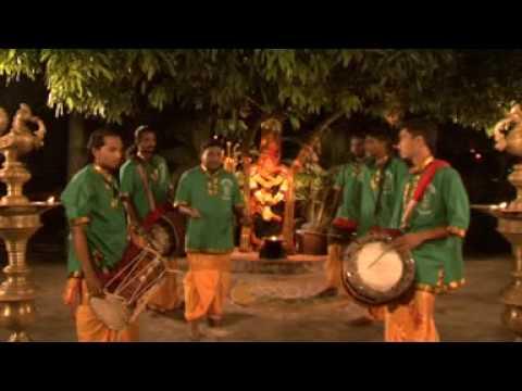 Kaathu Vazhi - Siva Mathura Kaali Urumee Melam 5