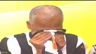 Alterosa esporte 25/07/2013 - Dada chora ao Receber camisa de Gilberto silva