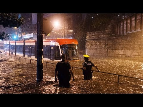 Heavy rains cause flooding in Toronto
