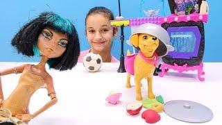 Монстер Хай: Клео и собака. Видео для девочек.